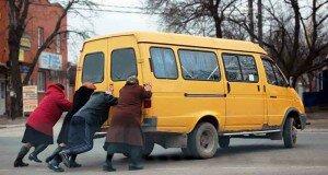 Наезд на перевозчиков. Почему маршрутки в Беларуси стали «нелегальными»